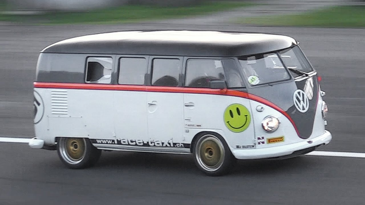 "530hp Porsche 993 Bi-Turbo powered Volkswagen T1 ""Race-Taxi"" in Action!!"